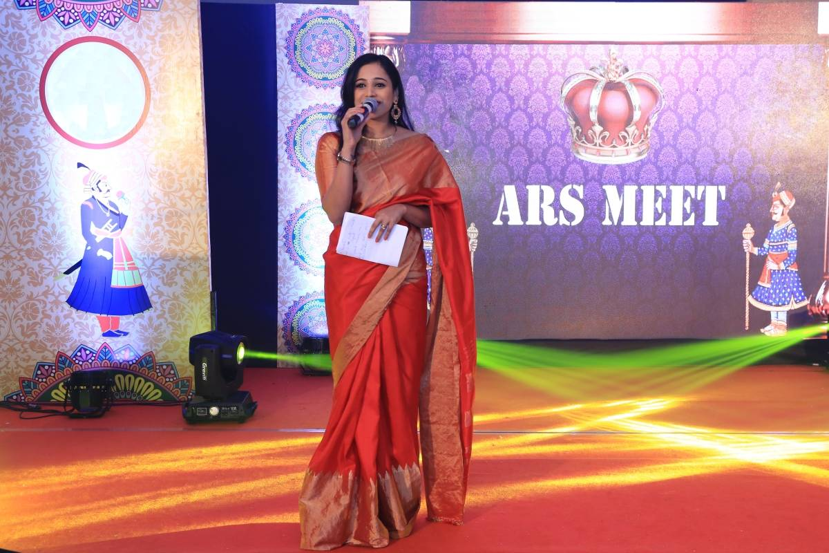 Bangalore's best MC Reena Dsouza hosts Bayer ARS Meet 2017