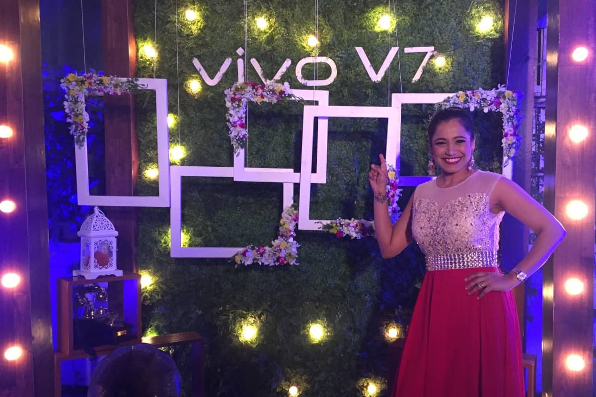 India's best anchor Multilingual MC Reena Dsouza hosts VIVO V7 celebratory dinner in Bangalore