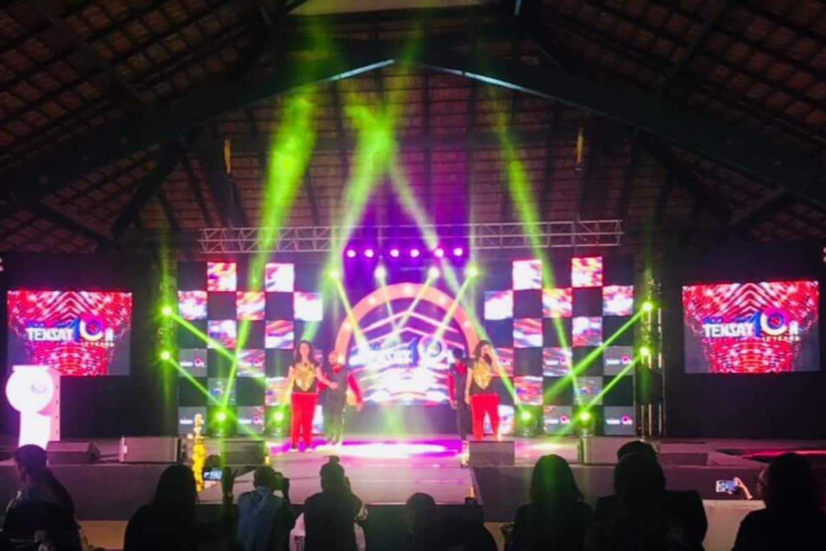 Multilingual MC Reena Dsouza hosts BCD Travel Annual Night 2017
