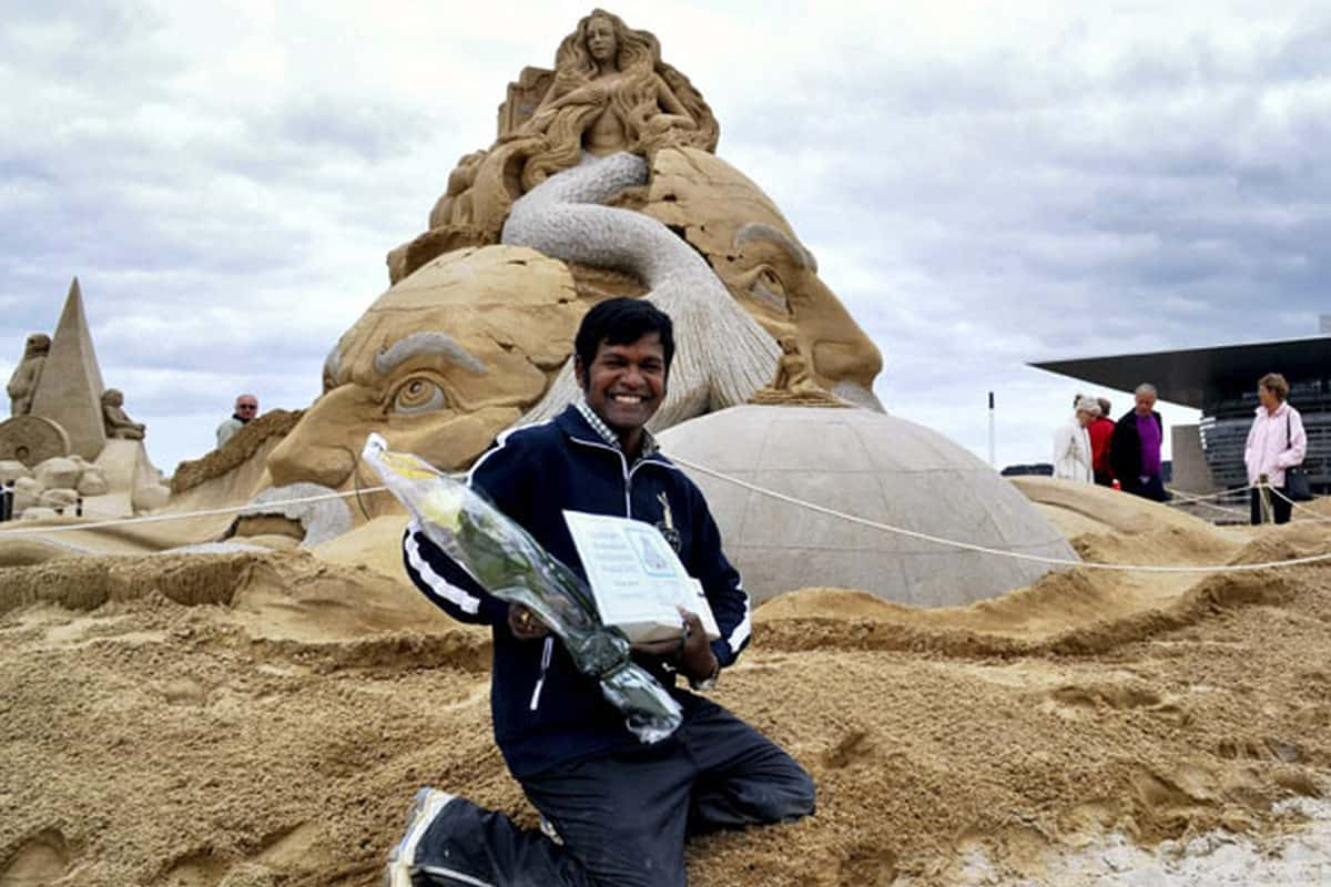 Famous Sand artist Sudarshan Pattnaik attacked at International Sand art festival, Odisha