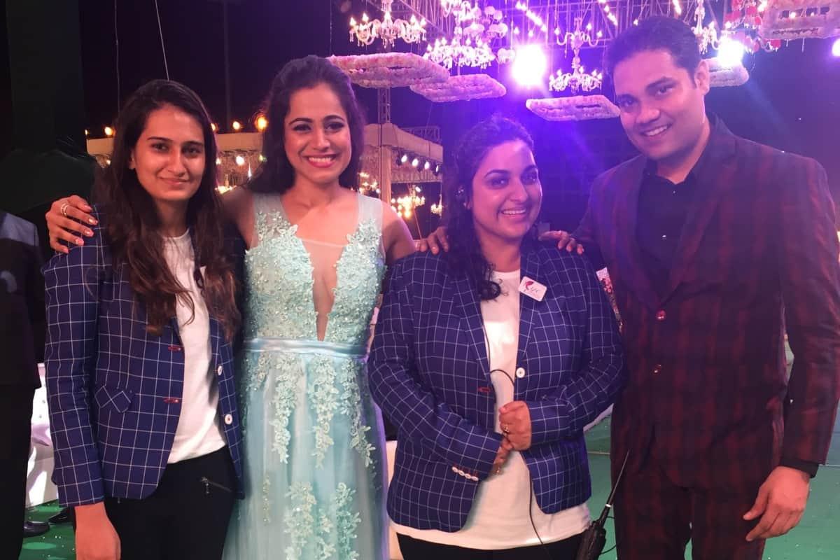 Multilingual MC Reena hosted Ryan Pinto's Wedding reception in Jio garden Mumbai