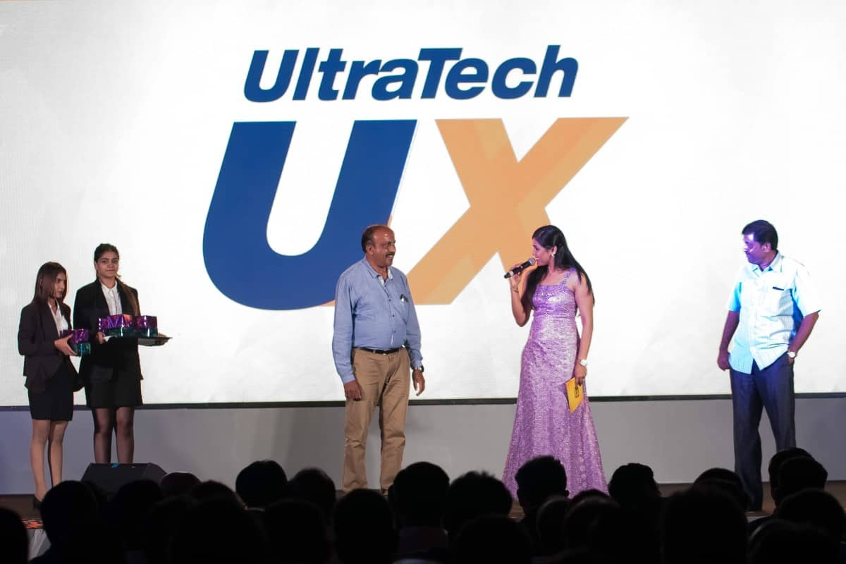 Anchor Reena Dsouza comperes for Ultratech U-Mix launch 2018