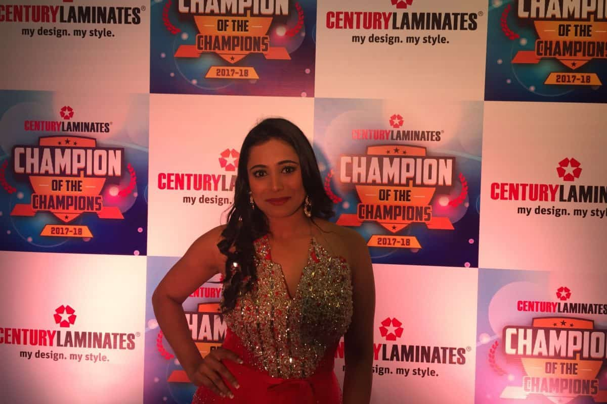 India's best emcee Reena Dsouza hosted Century laminates awards night 2018 in Manila, Philippines