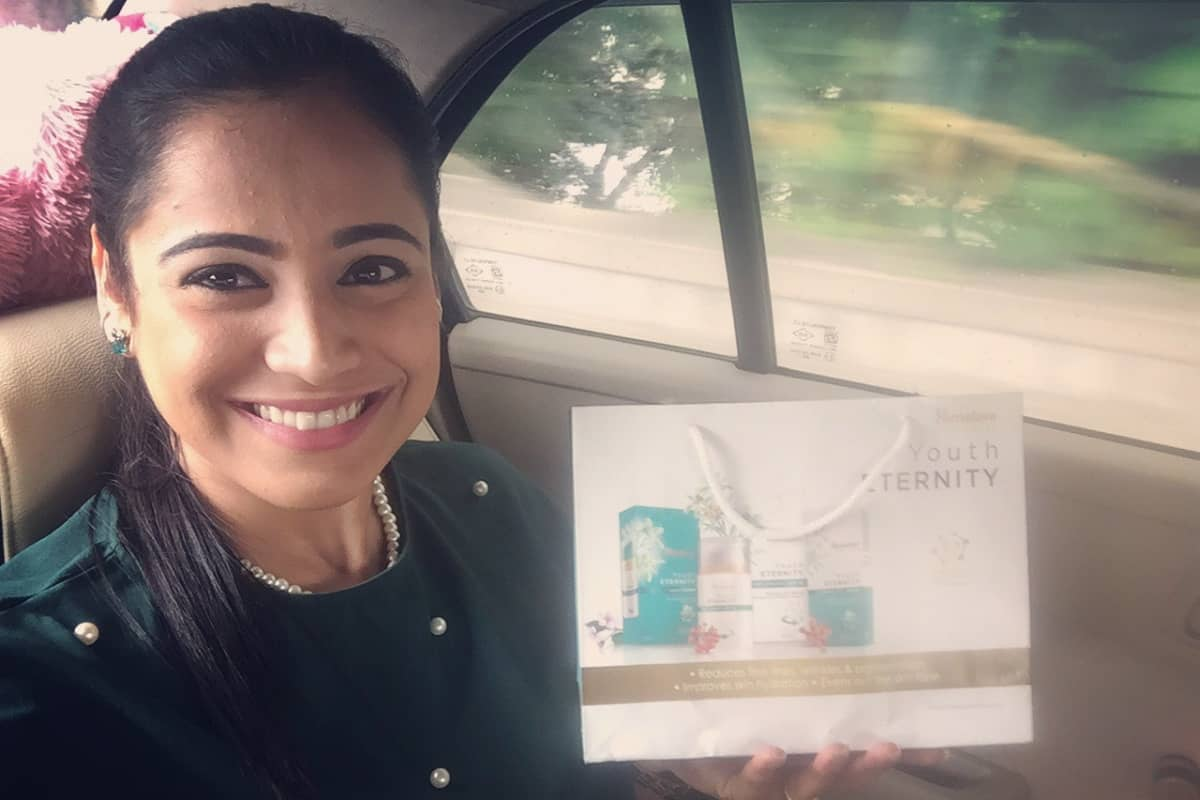 Emcee Reena hosts Himalaya Youth Eternity Bloggers and Media Meet 2018