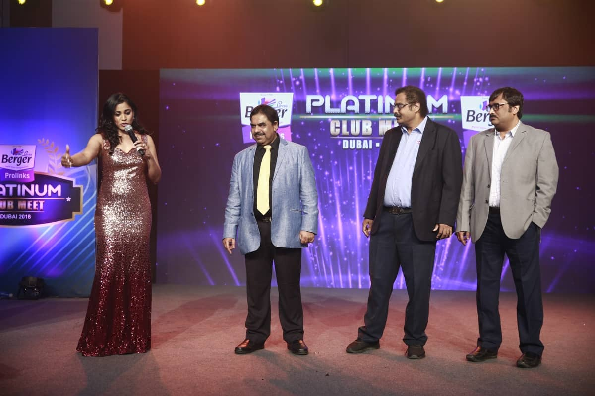 Bangalore's best Emcee Reena hosts Berger Prolinks Platinum Meet Dubai 2018
