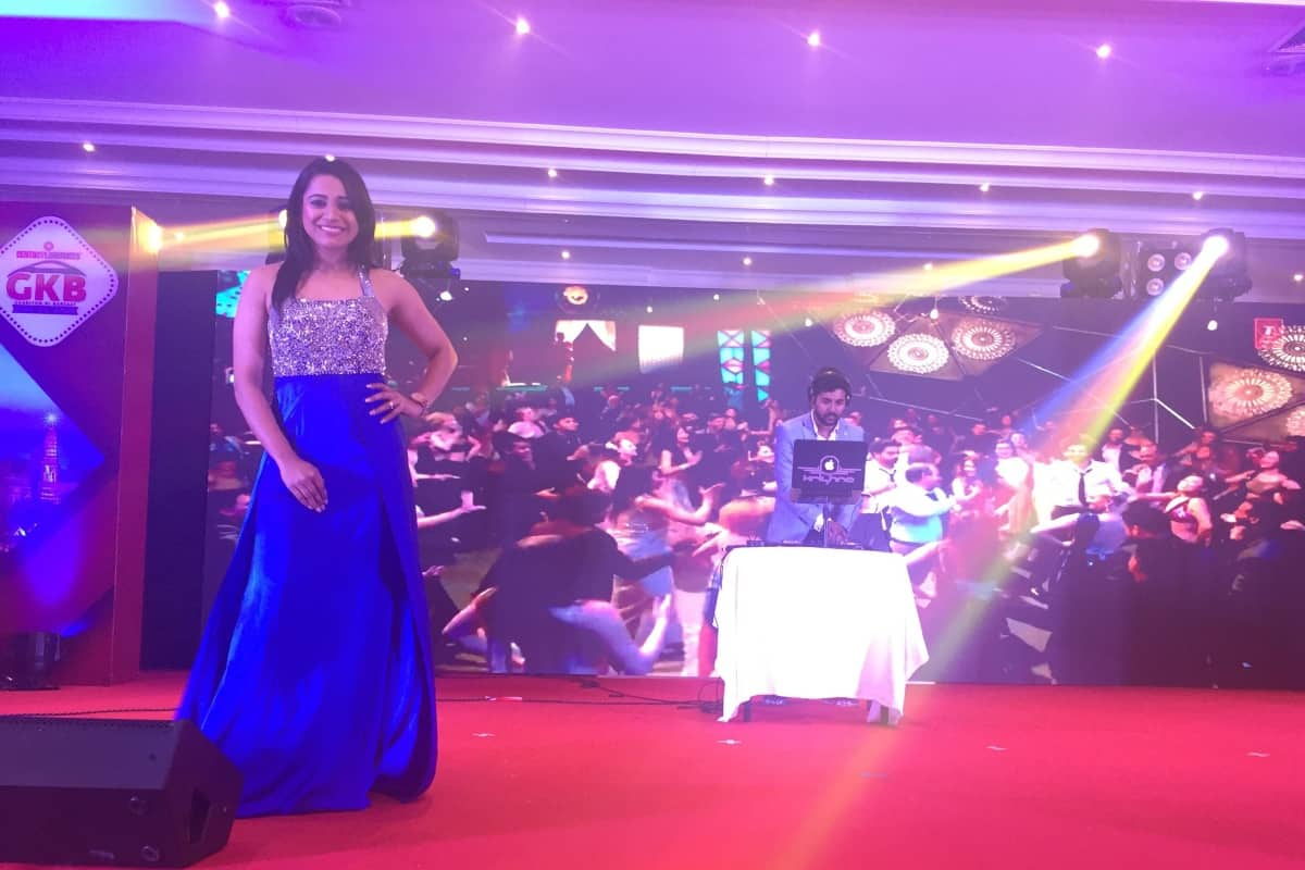 Emcee Reena Dsouza hosts century laminates Channel partners meet 2018 in Pattaya