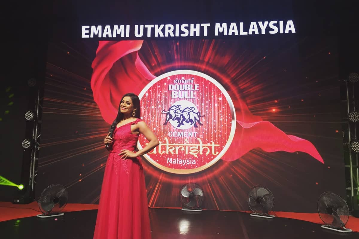 Sports Presenter Reena Dsouza hosts Emami Double Bull Cement Utkrisht 2018 in Malaysia