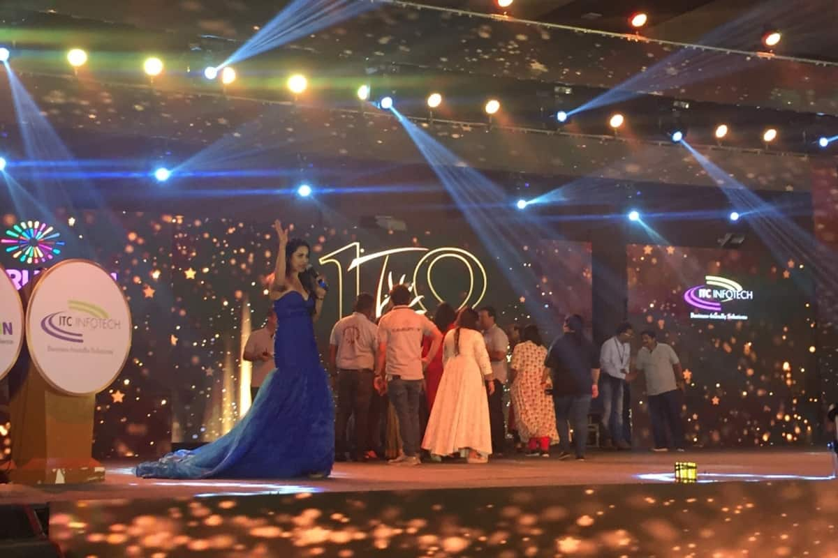 Best MC award winner under Planet's Pride Awards 2018 Reena Dsouza comperes for TAP Night third time in the row for ITC Infotech