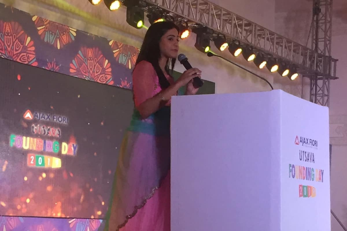 Anchor Reena Dsouza hosts Ajax Fiori Founding Day 2019