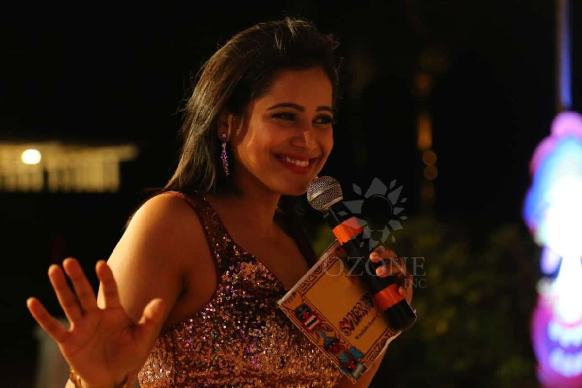 Compère Reena Dsouza hosts Sony Annual event 2019 in Mahabalipuram