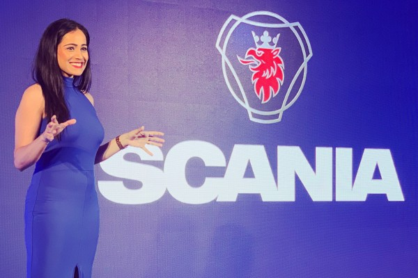 Tv Anchor Reena DSouza hosts launch of Scania New Truck Generation 2019
