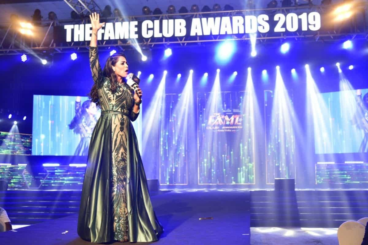 Emcee Reena hosts Fame Club awards 2019 for Reliance General Insurance