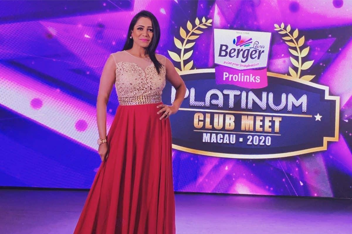 Presenter Reena Dsouza hosts Berger paint Platinum club meet 2020