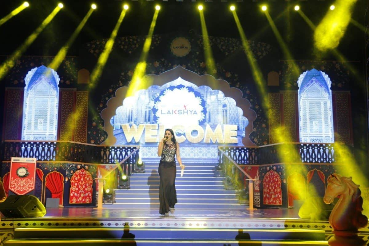Emcee Reena hosted RGI presents Bank of India awards night 2020 in Udaipur